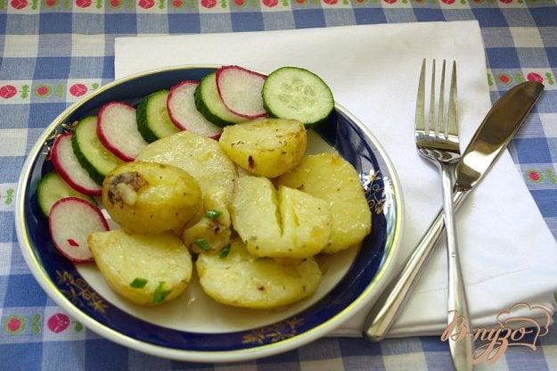 фото рецепта: Молодая картошка в сковородке
