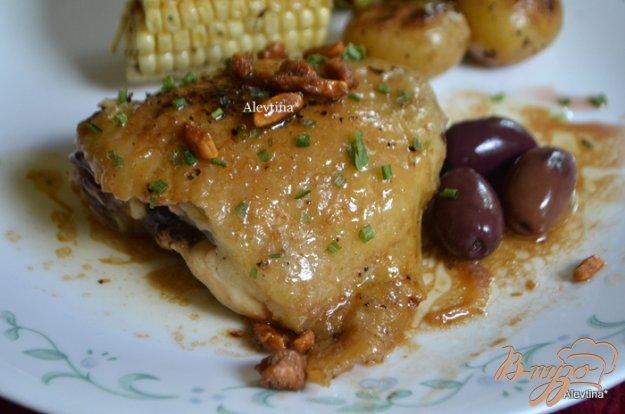фото рецепта: Курица в бальзамическом уксусе с оливками и орехами
