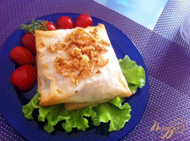 фото рецепта: Конвертики из теста Фило с рыбой и шпинатом