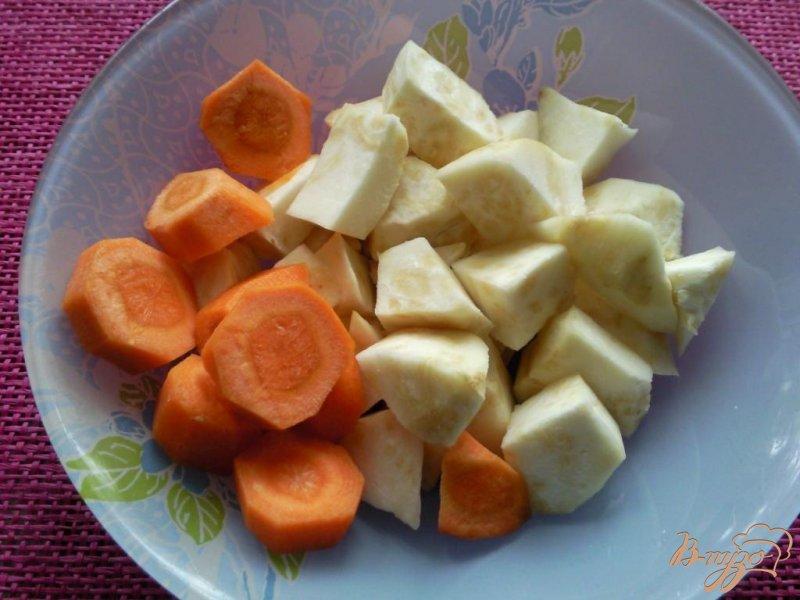 Фото приготовление рецепта: Суп-пюре с сельдереем и шампиньонами шаг №2