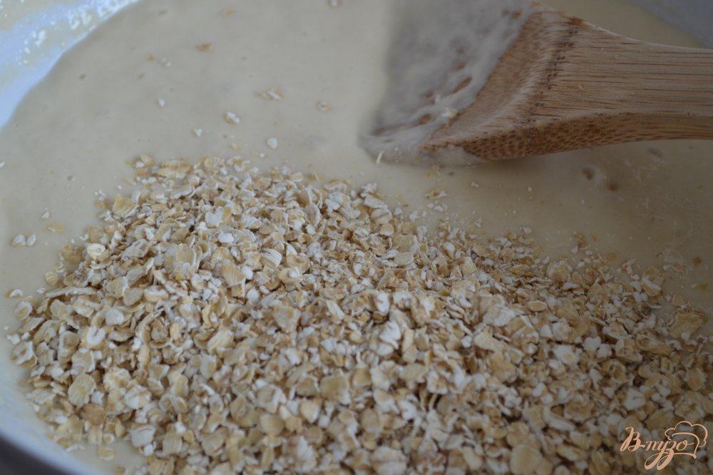 Фото приготовление рецепта: Винный хлеб с овсом шаг №3