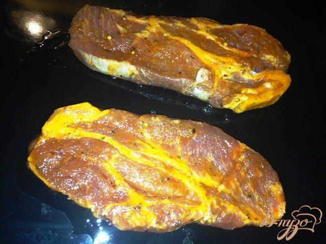 Фото приготовление рецепта: Запеченное мясо порционно шаг №2