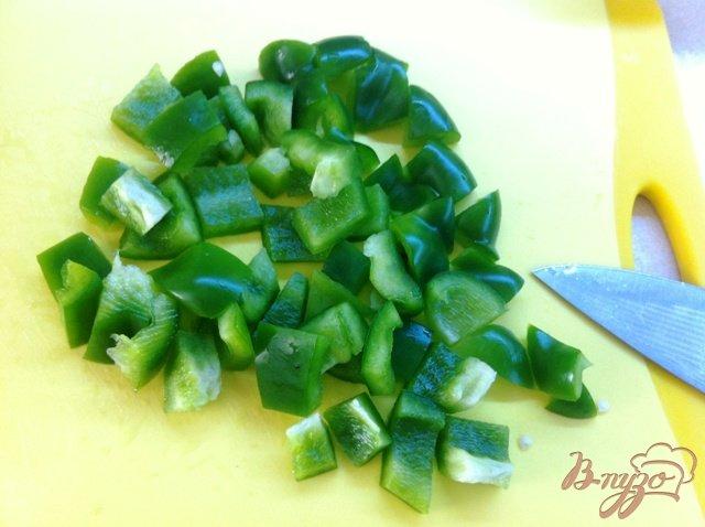 Фото приготовление рецепта: Салатный MIX с сыром фета и оливками шаг №3