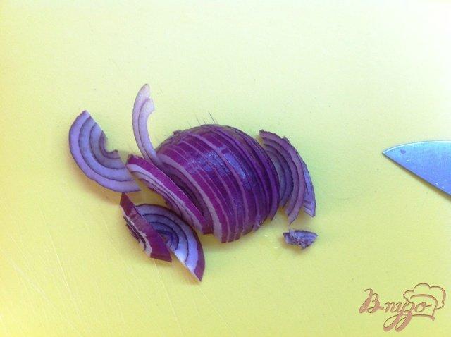 Фото приготовление рецепта: Салатный MIX с сыром фета и оливками шаг №2