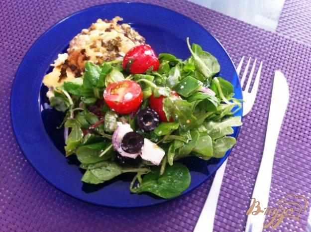 фото рецепта: Салатный MIX с сыром фета и оливками