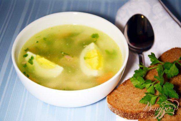 фото рецепта: Нежный бульон из курицы с яйцом и макаронами