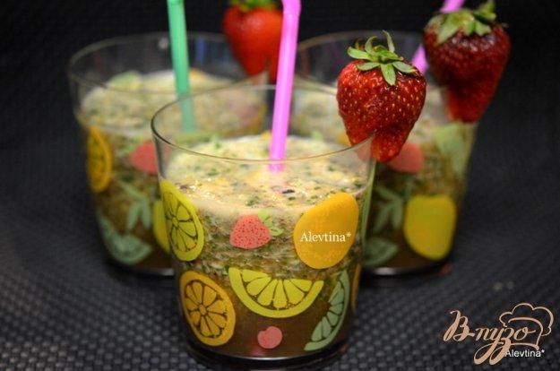 Рецепт Шпинатный напиток с ягодами и киви