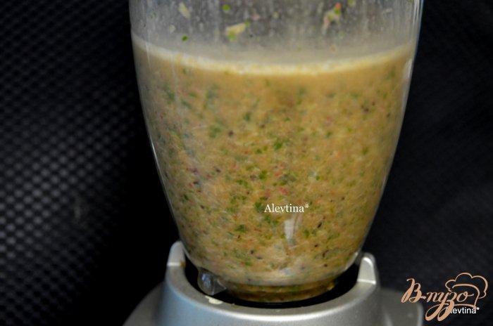 Фото приготовление рецепта: Шпинатный напиток с ягодами и киви шаг №2