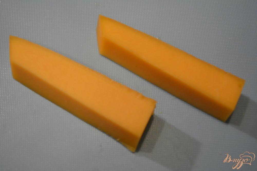 Фото приготовление рецепта: Сливочный суп с сыром и сырными палочками шаг №7