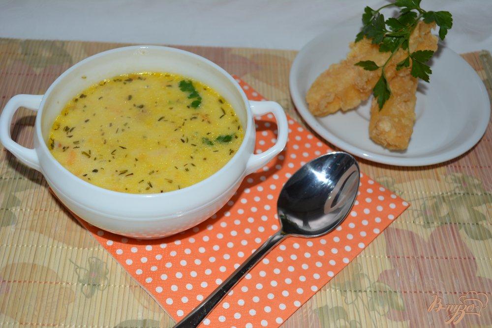 Фото приготовление рецепта: Сливочный суп с сыром и сырными палочками шаг №10