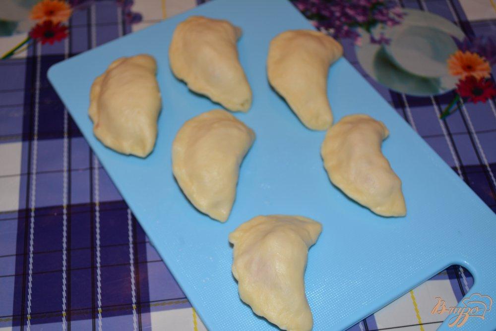 Фото приготовление рецепта: Вареники с мясом курицы шаг №7