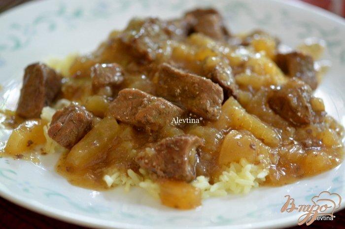 Фото приготовление рецепта: Тушеная говядина с репой шаг №5