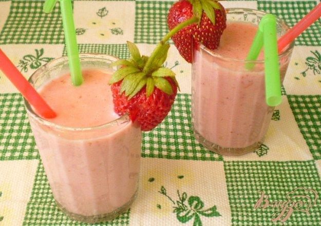 Рецепт Клубничный коктейль со сливками