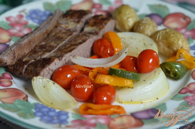 фото рецепта: Пряный стейк с томатной сальсой