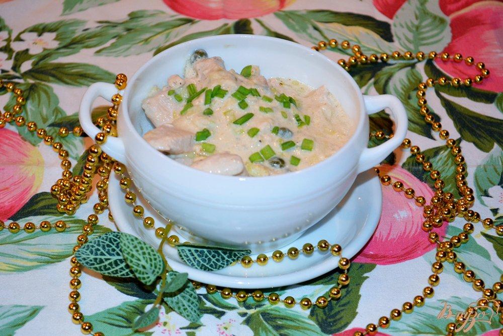 Фото приготовление рецепта: Куриное филе в сливочном соусе с каперсами шаг №6