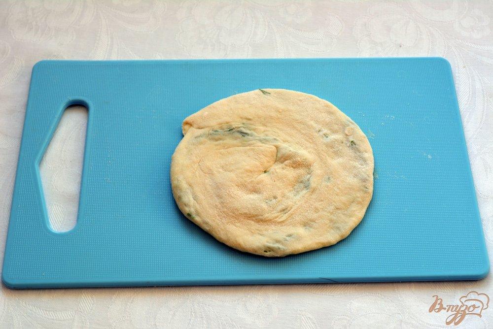 Фото приготовление рецепта: Китайские лепешки с зеленью шаг №10