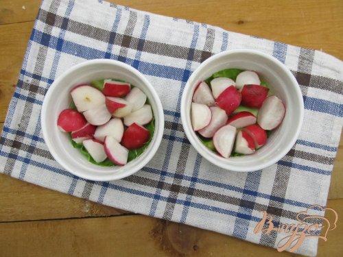 Омлет в духовке с редисом и крапивой