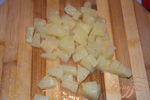 Салат Майский с ананасом и куриным балыком