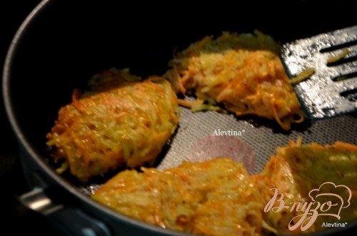 Южные латкес со сметанным соусом