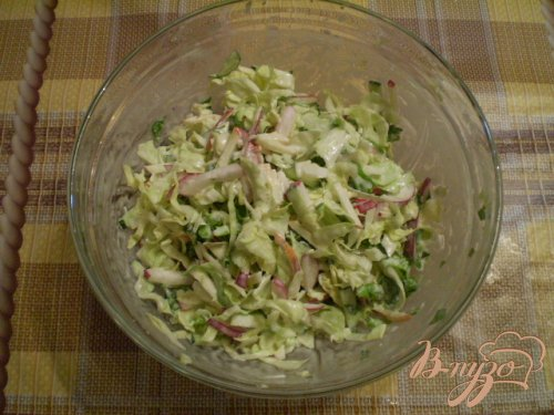 Овощной салат с яблоком и майонезом