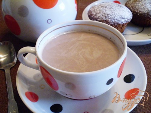 Какао с молоком и корицей
