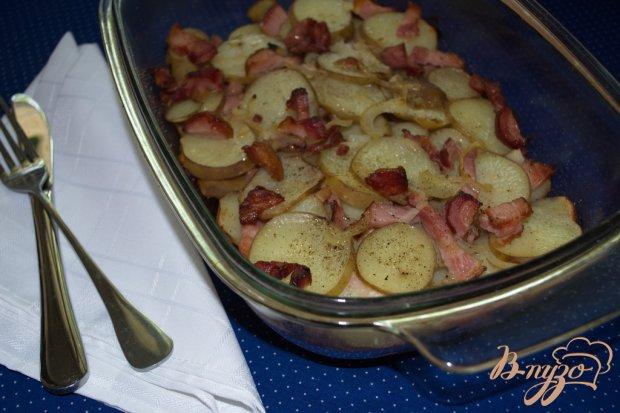 Молодой картофель с беконом и луком