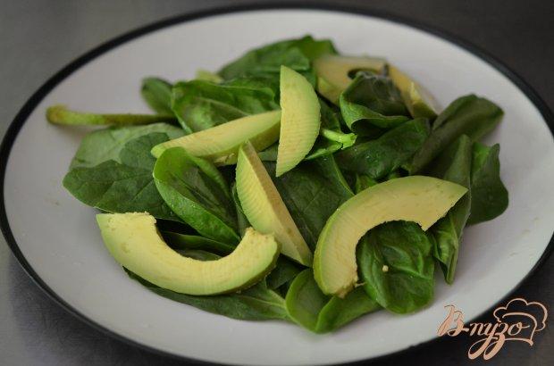 Шпинатный салат с авокадо