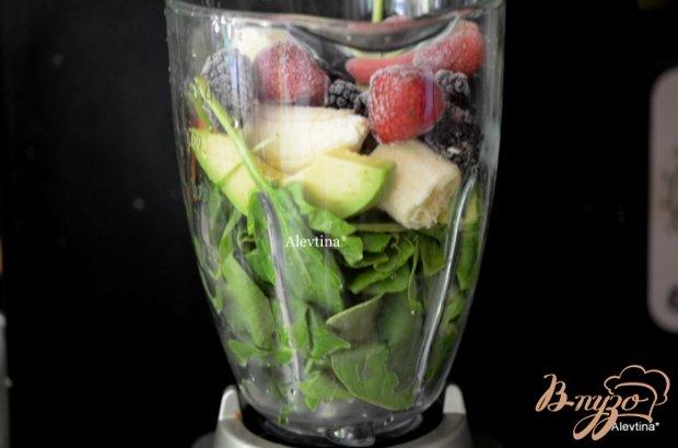 Шпинатный-ягодный смузи или  завтрак здоровье