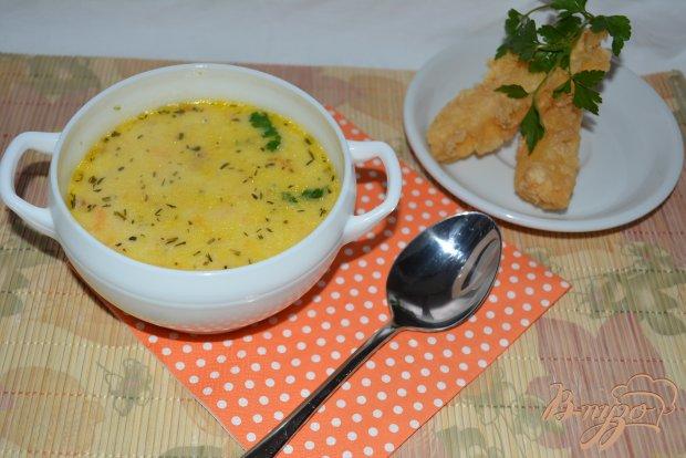 Сливочный суп с сыром и сырными палочками