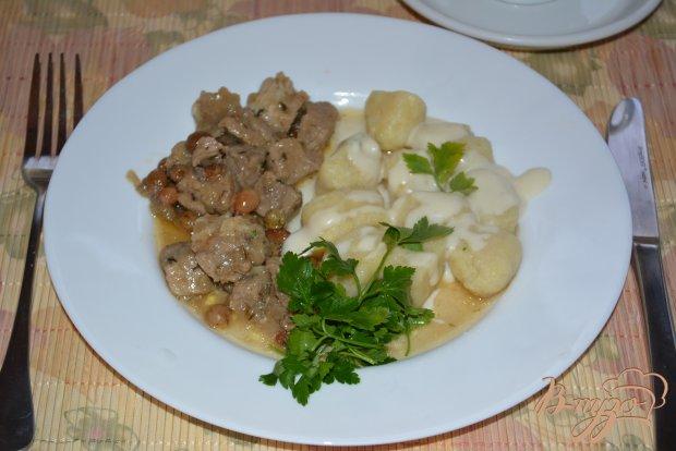 Картофельные кнели с соусом Бешамель