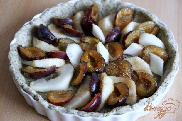 Тарт со сливами и грушей