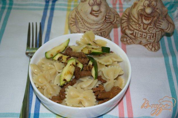 Рецепт Салат из макарон с цукини и лисичками