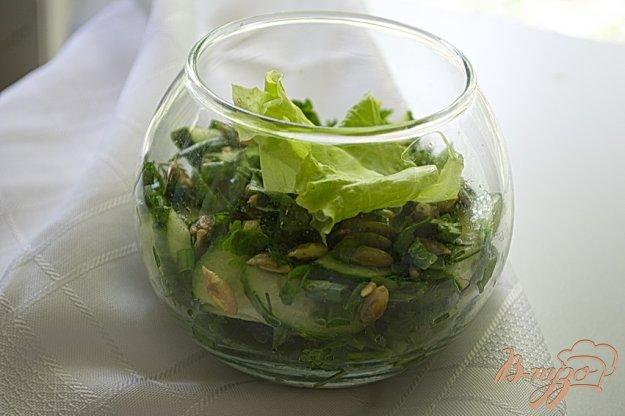 Рецепт Огуречный салат с мятой и тыквенными семечками