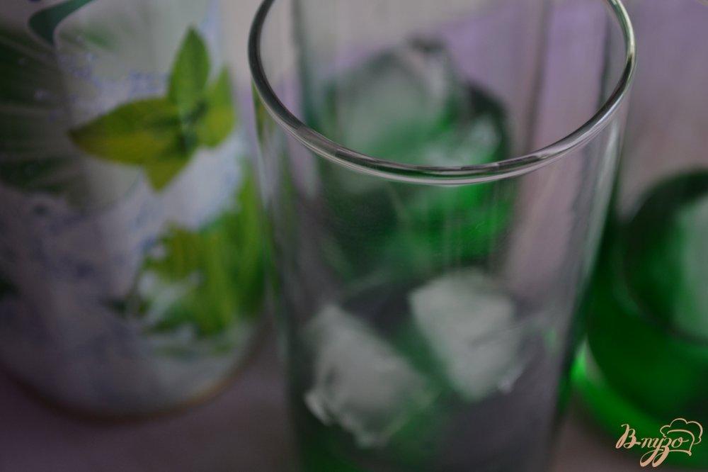 Фото приготовление рецепта: Мятный напиток с ромом шаг №1