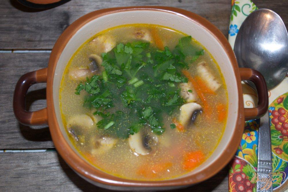 Фото приготовление рецепта: Овсяный суп с грибами и курицей шаг №8
