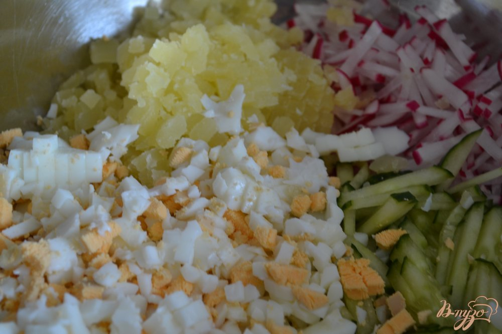 Фото приготовление рецепта: Овощная окрошка с цукини шаг №3
