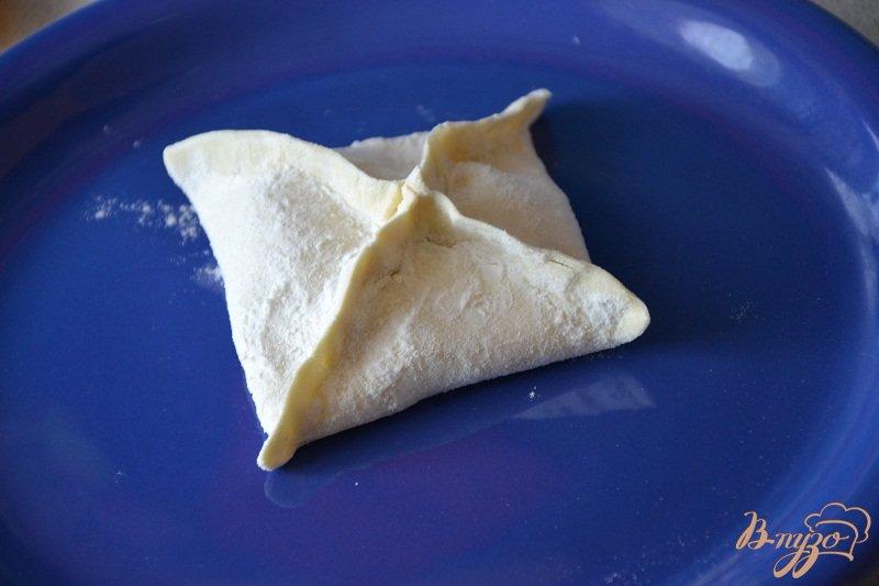 Фото приготовление рецепта: Яблочные слойки шаг №3