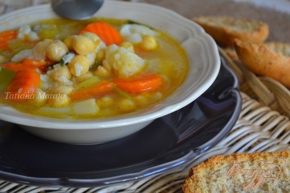 Густой овощной суп с нутом