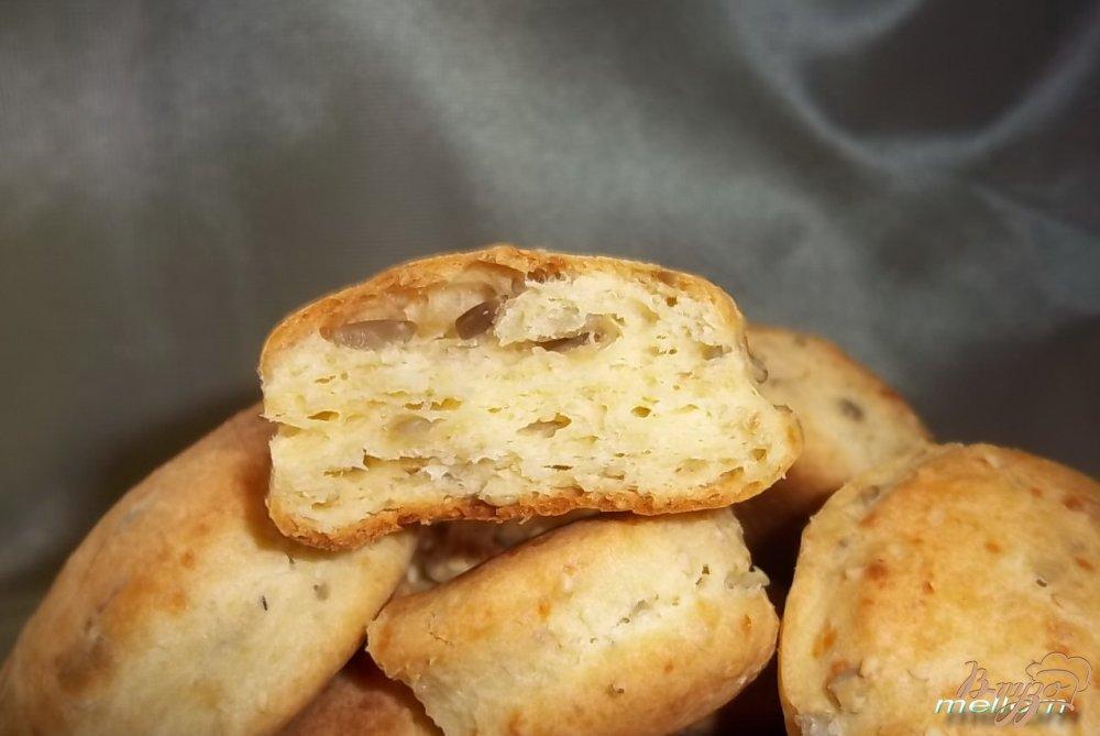 Фото приготовление рецепта: Кукурузно-пшеничное печенье с сыром и семечками шаг №6