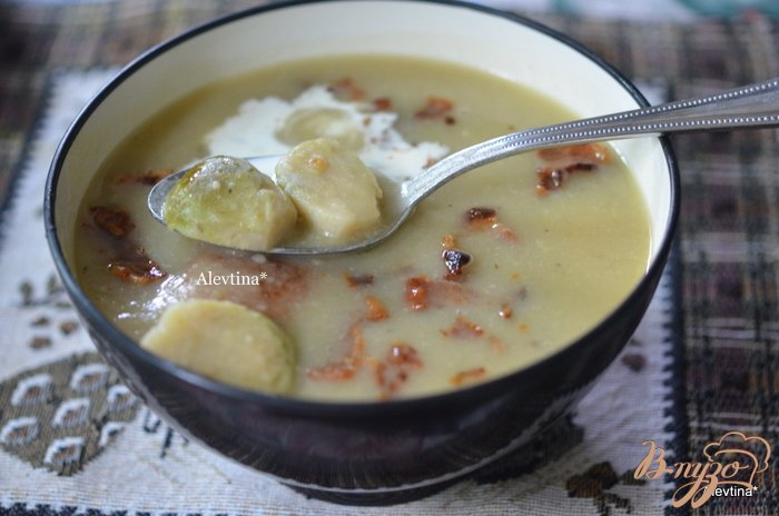 Фото приготовление рецепта: Суп с брюссельской капустой шаг №5