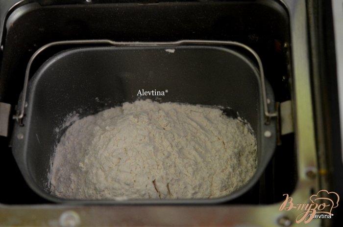 Фото приготовление рецепта: Тесто для пельменей или вареников  в хлебопечке шаг №1