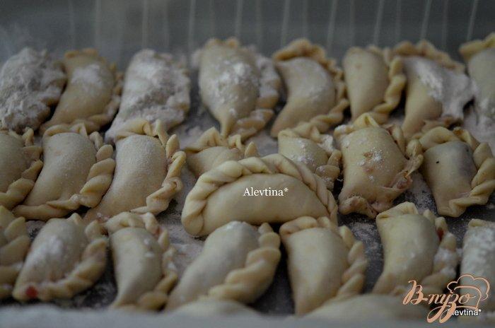Фото приготовление рецепта: Тесто для пельменей или вареников  в хлебопечке шаг №3