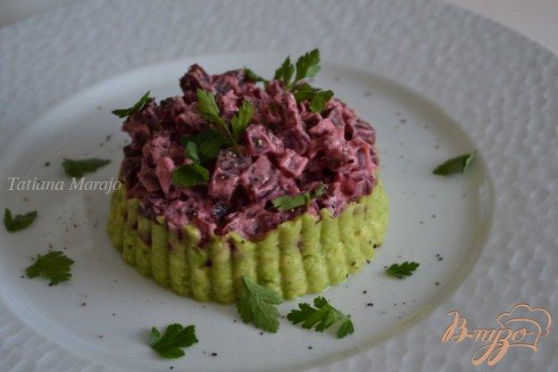 Рецепт Салат из авокадо со свеклой