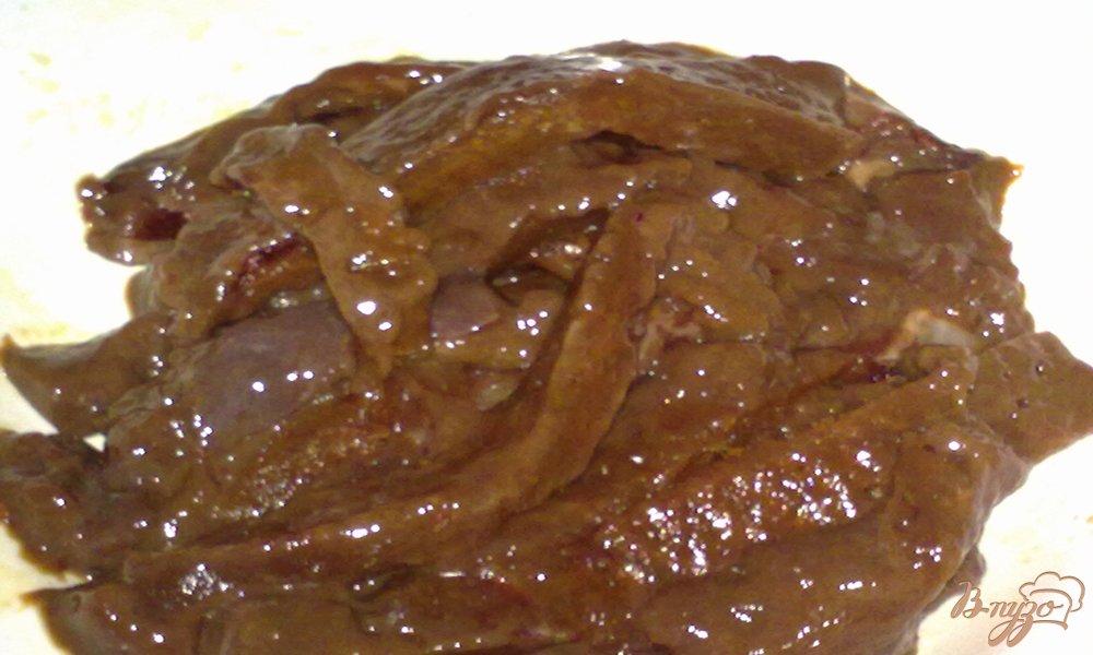 Фото приготовление рецепта: Печень в медовом соусе шаг №2