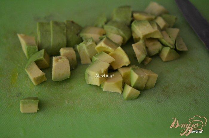 Фото приготовление рецепта: Суп с луком-порей ,с  овощами и авокадо шаг №3