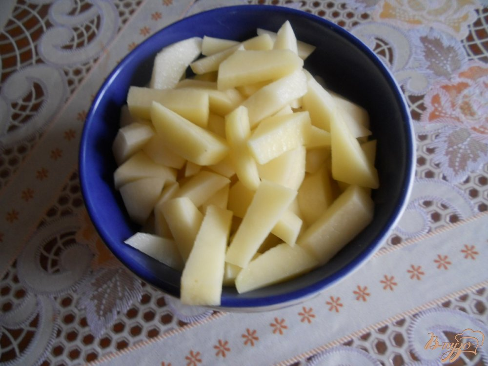 Фото приготовление рецепта: Супчик из горбуши шаг №2