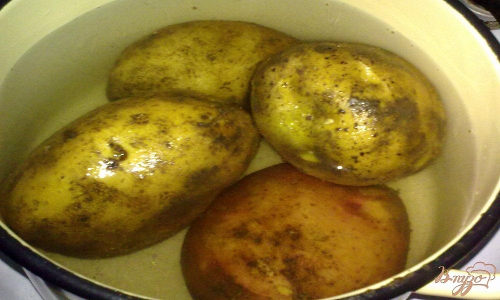 Фото приготовление рецепта: Чесночный картофель шаг №1