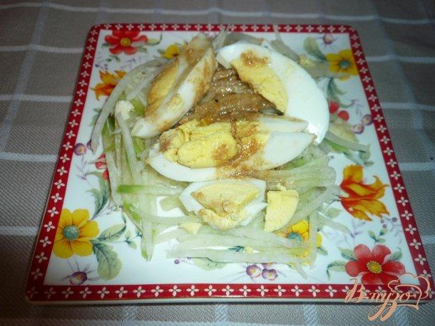 Рецепт Салат из зеленой редьки и яиц