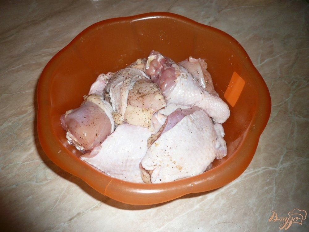 Фото приготовление рецепта: Курица в собственном соку шаг №3