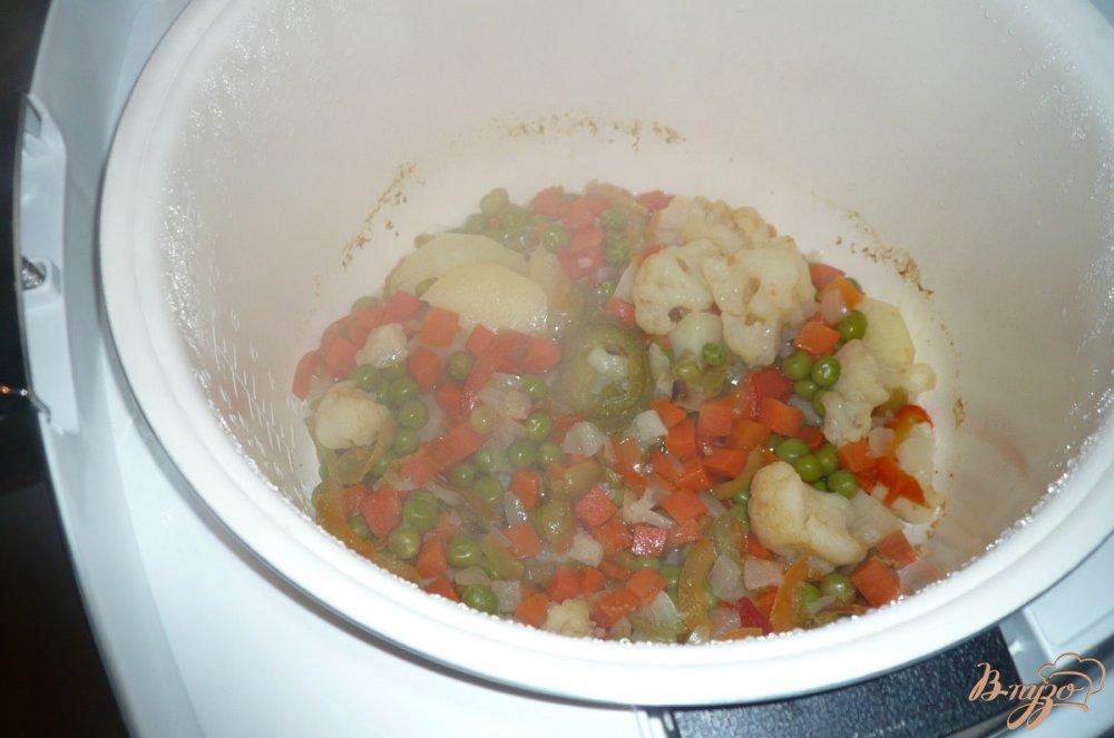Фото приготовление рецепта: Овощная смесь с картофелем шаг №5